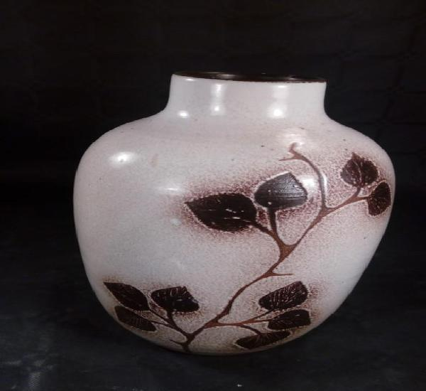Jordi serra moragas. jarrón en gres esmaltado diseño
