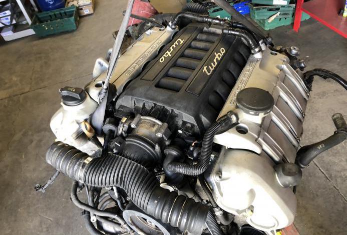 Motor porsche panamera turbo 4.8 v8 m4851