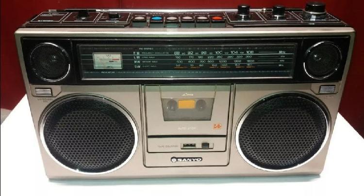 Radio casette sanyo m 9930 l de los 70