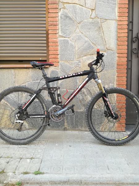 Mountain bike bicicleta de montaña