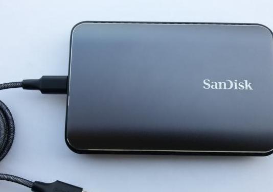 Disco duro externo sandisk 1.92 tb ssd profecional
