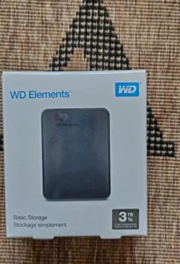 Disco duro externo 3tb wd elements.
