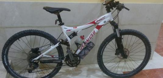 Bicicleta doble specialiced fsr xc mejorada.