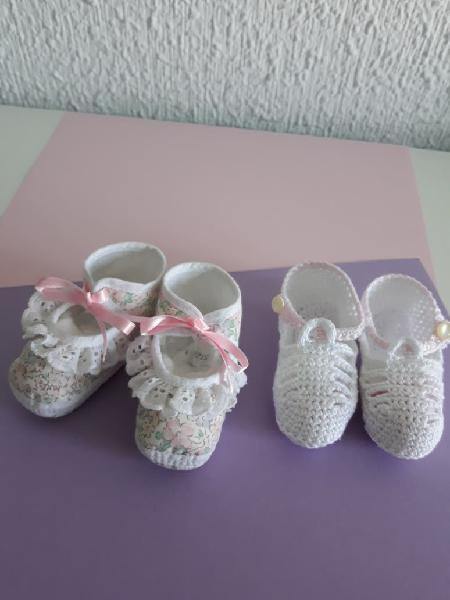 Sandalias tela+patucos bebé (talla 1 mes)