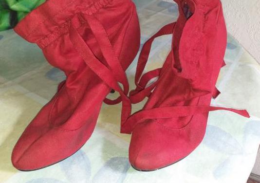 4 pares d zapatos de mujer tacones