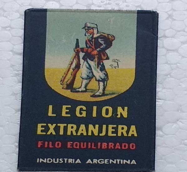 Antiguo estuche de hoja de afeitar industria argentina con