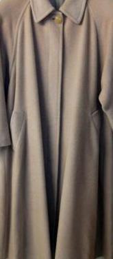 Abrigo largo de paño beige