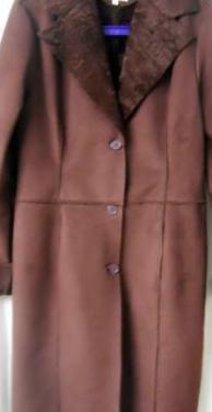Abrigo largo piel sintética
