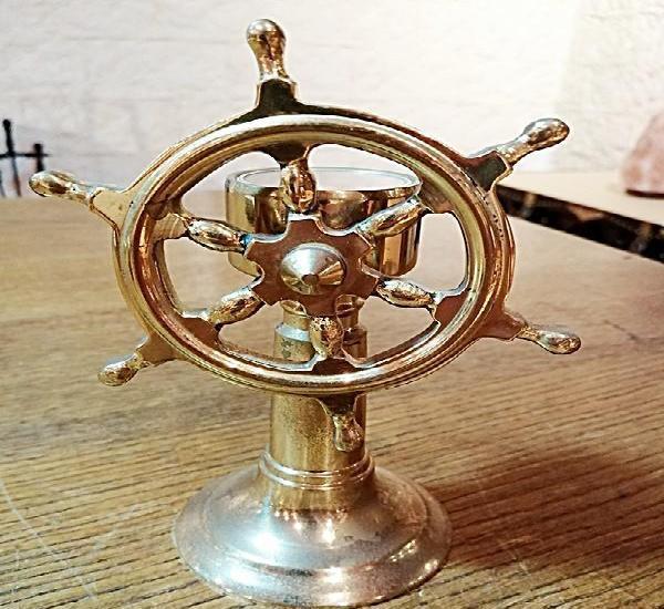Decorativa brújula – timon de barco en latón