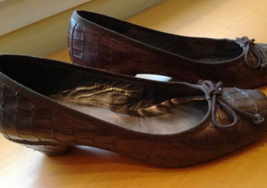 Zapatos de mujer marca lodi talla 40