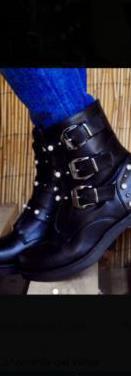 Botas bonites negros tachas