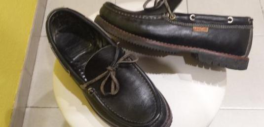 Zapatos apache originales.