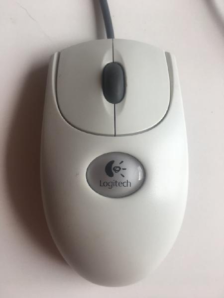 Logitech mouse por 1€.