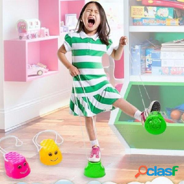 2pcs / par juguete de zancos para saltar al aire libre, habilidad de movimiento que desarrolla juegos de equilibrio del juego divertido gadget para niños niños