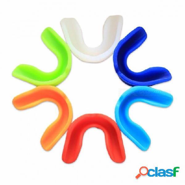 Protector de goma suave superior de los deportes de goma de la boca protector de los dientes del protector para la protección de seguridad del baloncesto del boxeo al azar