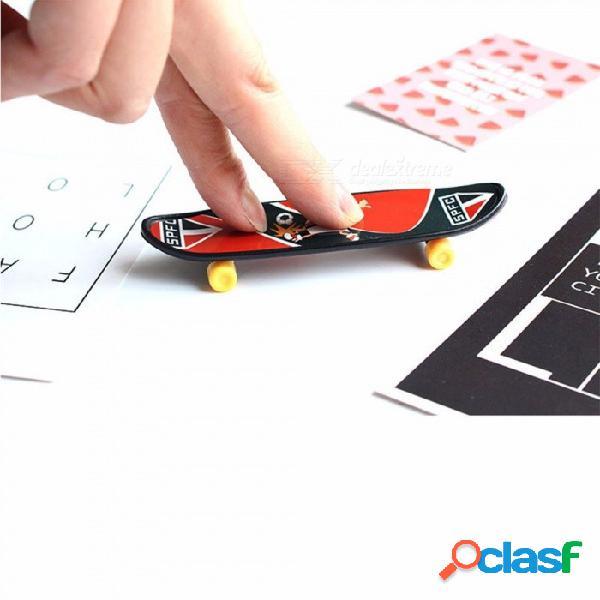 Patinetas mini dedo unti-smooth diapasón niños juguete dedo skate creativo novedad juguetes 2 piezas color al azar