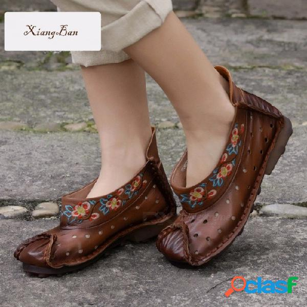 Bordado nacional flores retro decorado superior de cuero zapatos de mujer zapatos de barco de agujero cómodo ocasionales para mujeres marrón / 40