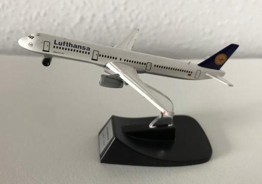 Avión airbus a321 lufthansa 1:460