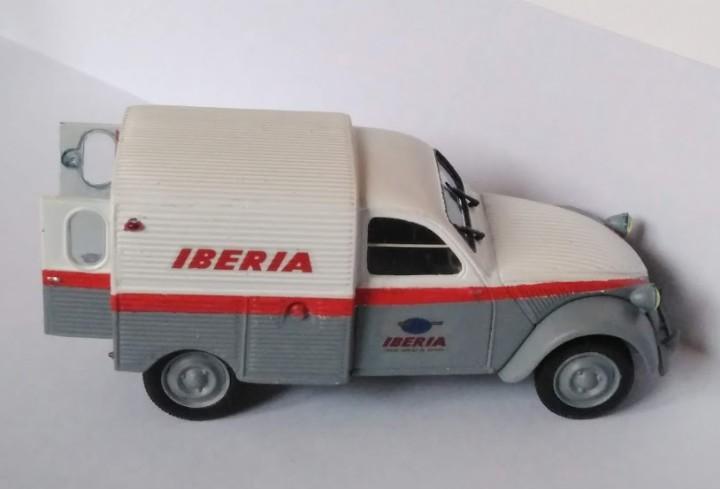 Citroen 2cv furgoneta iberia transformacion norev escala
