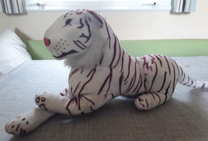 Tigre blanco de peluche