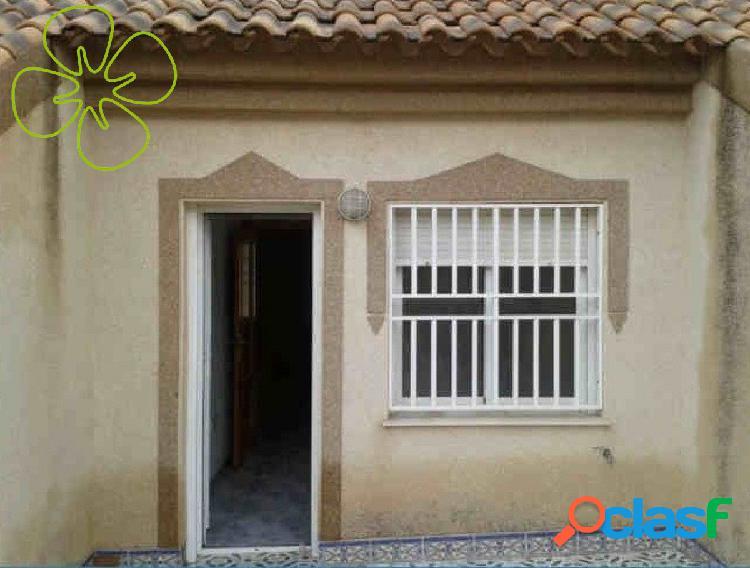 Chalet adosado en venta en calle Marismas, Los Alcázares, Murcia. 1