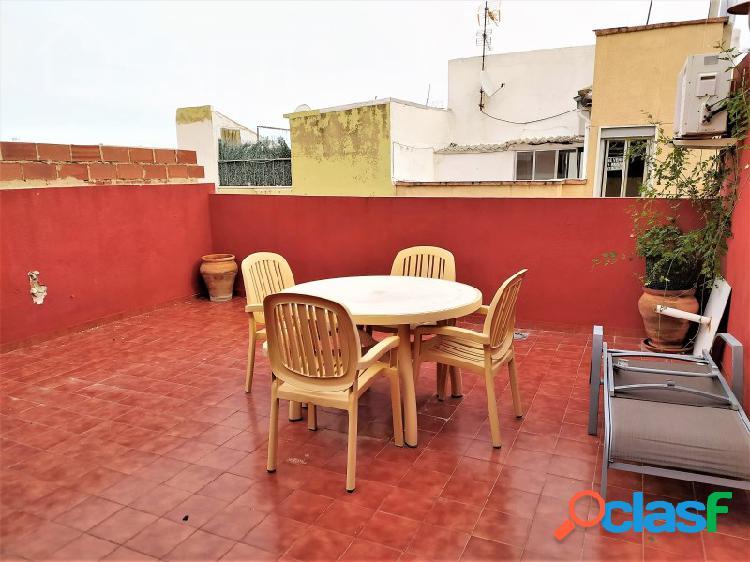 Casa reformada con terraza en zona belén-san roque