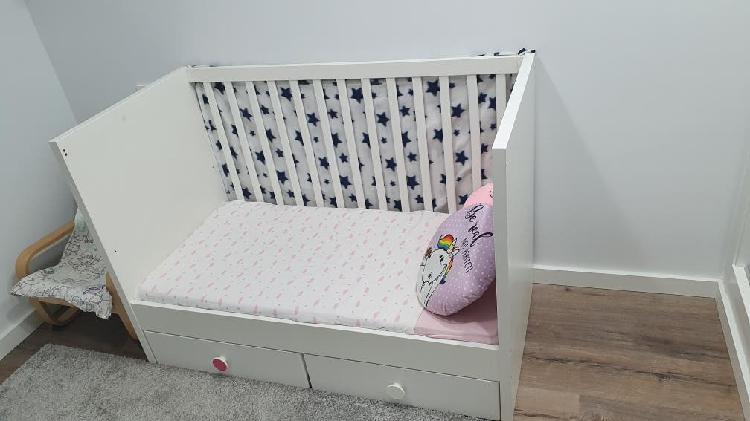 Cuna, cambiador y armario infantil