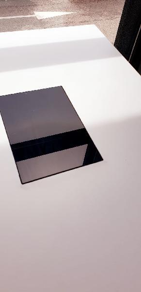 Mesa centro elevable blanca + 4 puff