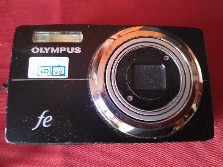 Olympus fe-5000 cámara fotos digital con cargador
