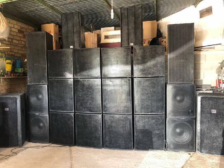 Sonido e iluminación con dj