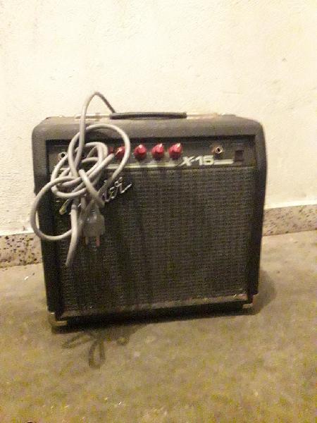 Amplificador de sonido con todos su cables