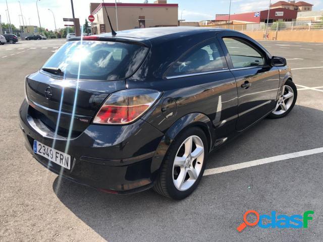 OPEL Astra GTC gasolina en Puertollano (Ciudad Real) 3
