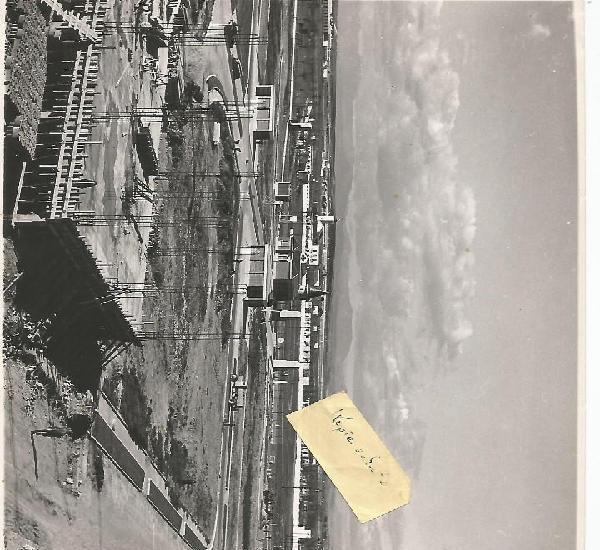 Pegaso enasa su planta en madrid barajas inicio en 1952 foto