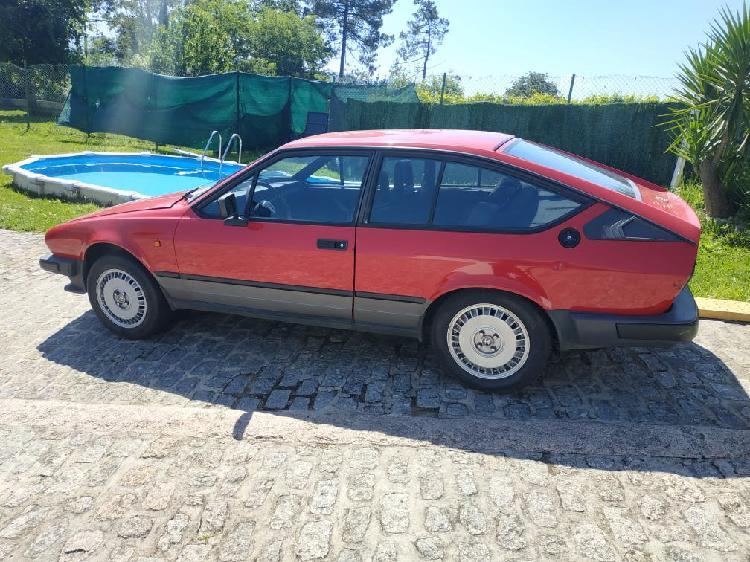 Alfa romeo gtv 1985