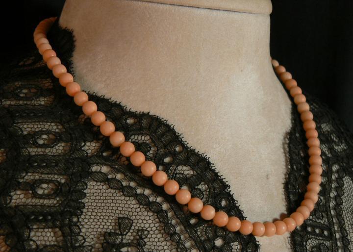 Collar de coral piel de angel