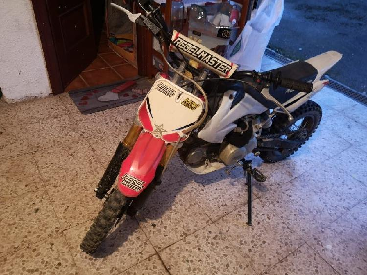Pit bike rebel master 125cc 4 tiempos