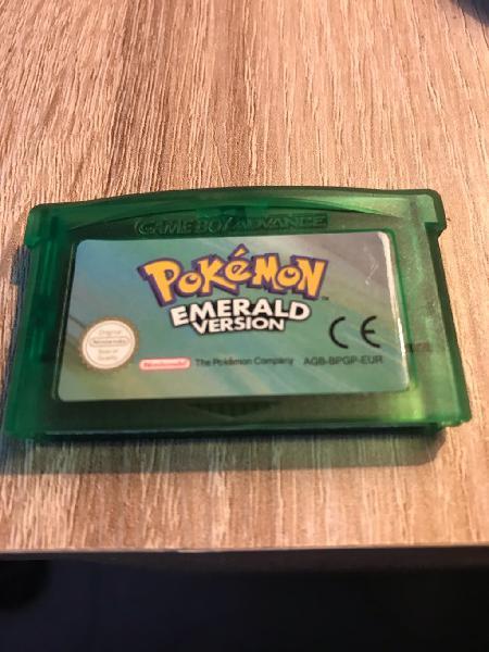 Pokemon esmeralda gba