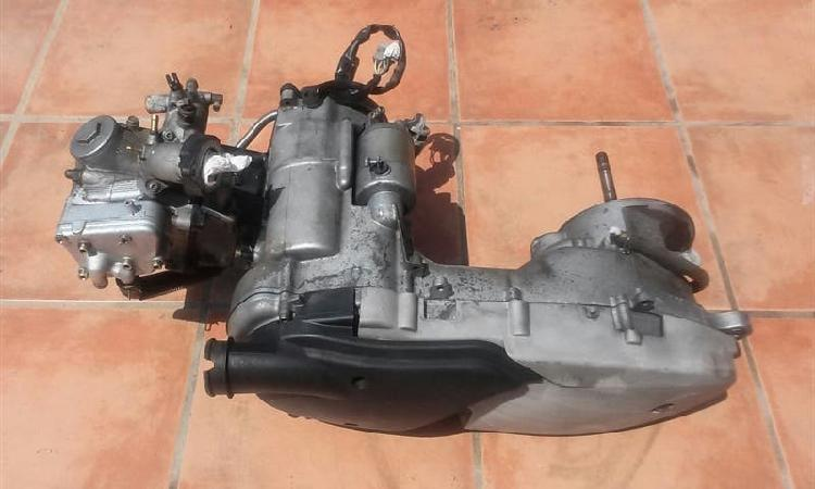 Motor yamaha majesty 125 cc