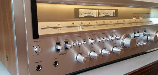 Sanyo jcx-2600kr monster receiver vintage