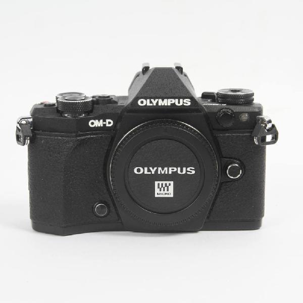 Cámara olympus omd e-m5 mark ii + 4 bate. e339335