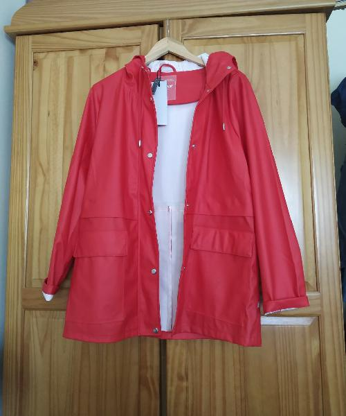Impermeable nuevo only