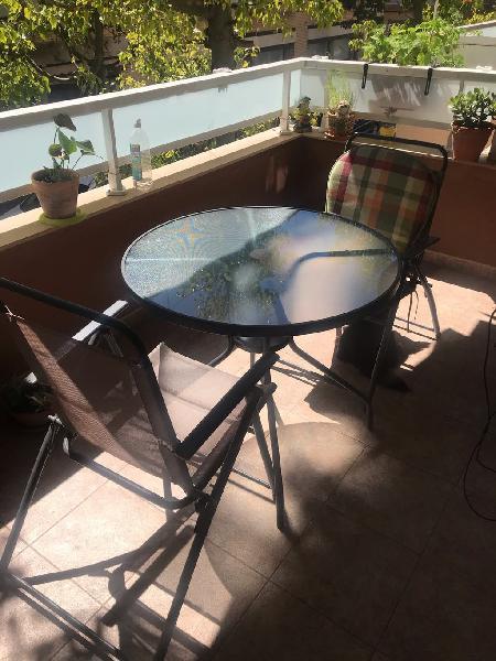 Mesa terraza + 4 sillas+ sombrilla