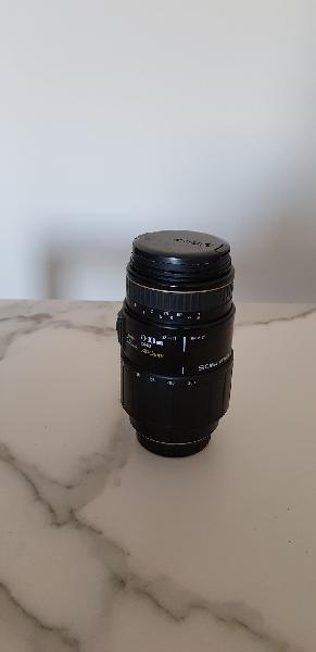 Objectivo cámara fotogràfica con funda