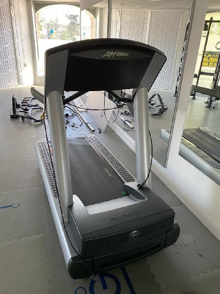 Venta de gym!!, cinta de correr life fitness