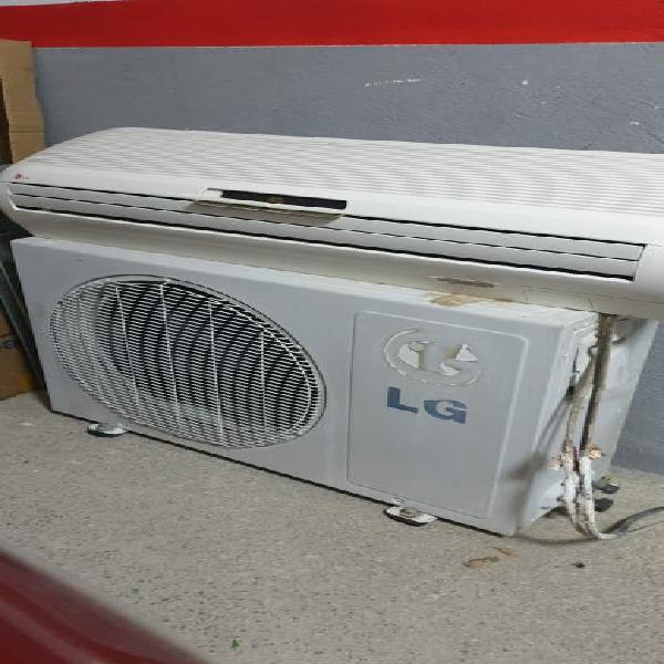 Aire acondicionado funciona tiene carga