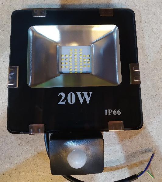 Foco luz blanca con detector de movimiento