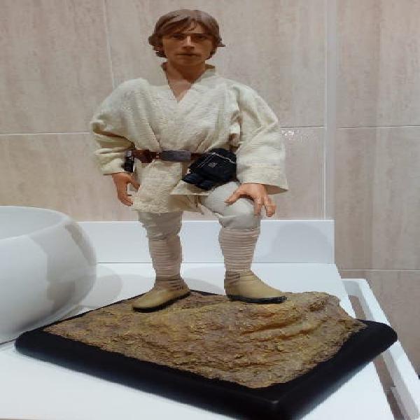 Luke skywalker premium format sideshow , star wars
