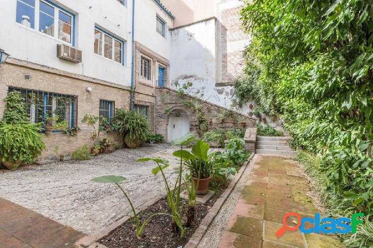 Casa señorial en pleno centro de córdoba capital con exclusivo patio de 90 m2