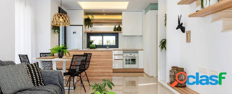 Dúplex de 3 dormitorios con parking privado en Ciudad Quesada 2