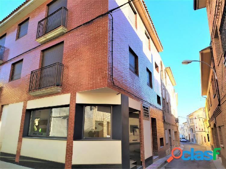 Se vende piso seminuevo 2 dormitorios en fuentes de ebro. trastero incluido.